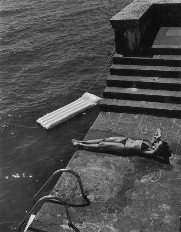 Christian Coigny photography Women outside
